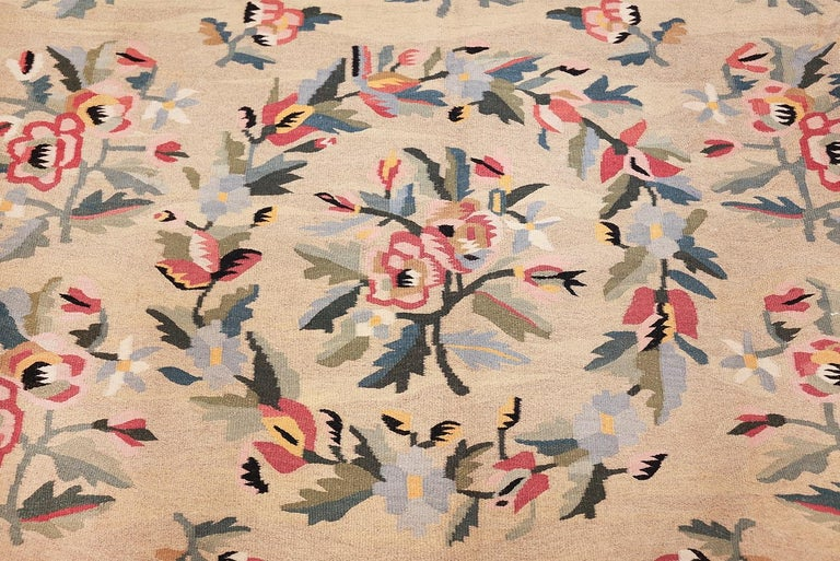 Hand-Woven Antique Besserabian Kilim. Size: 7 ft 7 in x 10 ft 8 in (2.31 m x 3.25 m) For Sale