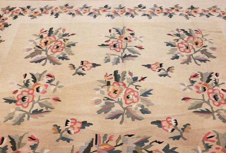 20th Century Antique Besserabian Kilim. Size: 7 ft 7 in x 10 ft 8 in (2.31 m x 3.25 m) For Sale