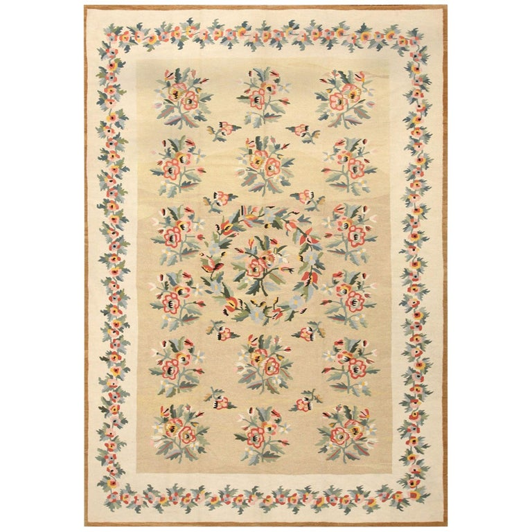 Antique Besserabian Kilim. Size: 7 ft 7 in x 10 ft 8 in (2.31 m x 3.25 m) For Sale