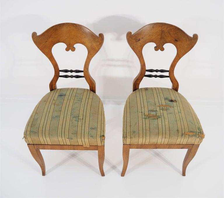 Antique Biedermeier dining chairs, set of 2. Original condition.