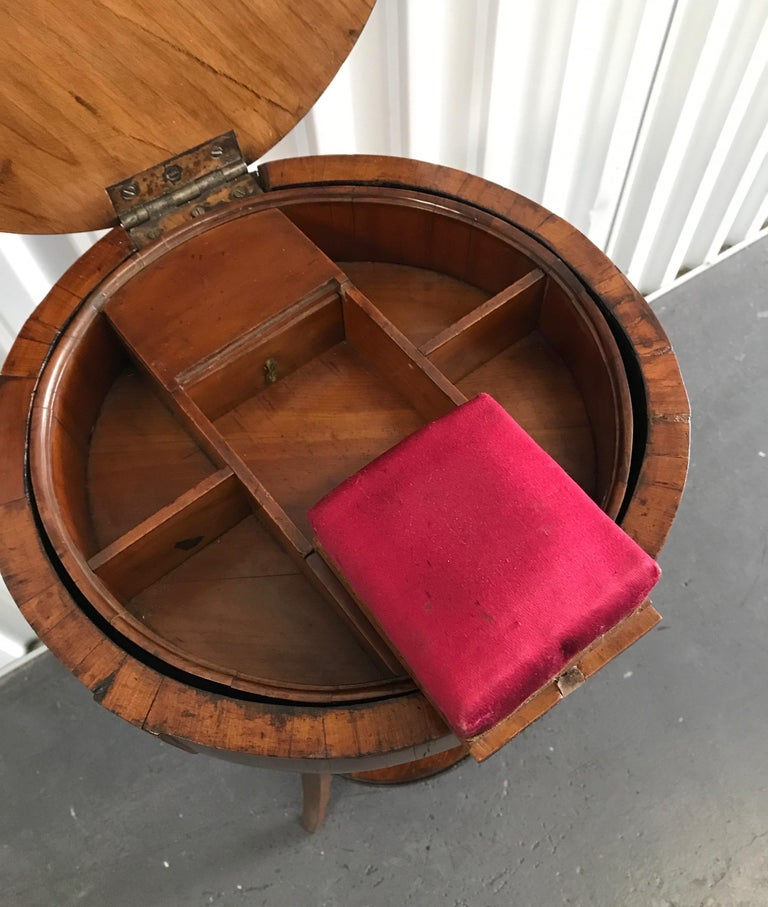 Antique Biedermeier Round Sewing Side Table In Good Condition In West Palm Beach, FL
