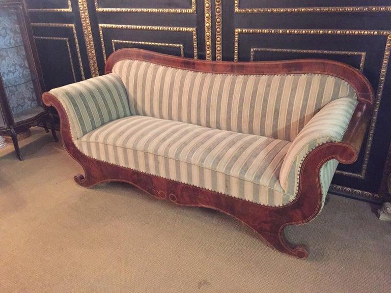 Antique Biedermeier Sofa Couch circa 1825 Mahogany In Good Condition For Sale In Berlin, DE