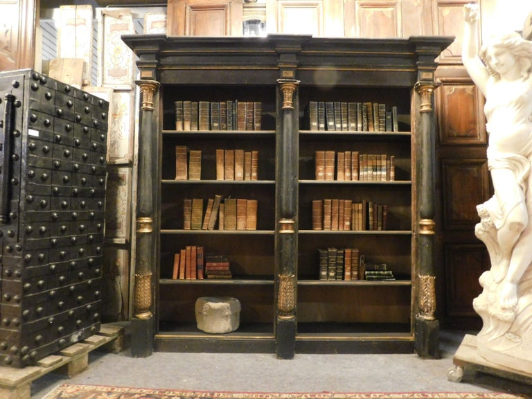 Charles X Antique Black and Gold Lacquered Wood Bookcase, Early 1800s, Italy For Sale