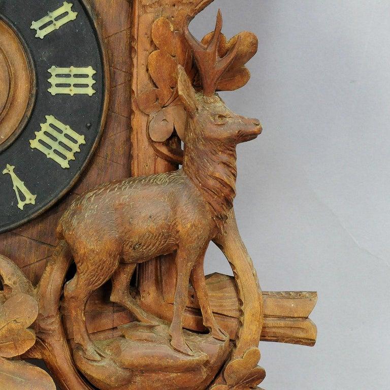 Antike Schwarzwälder geschnitzt Holz Kuckucksuhr mit Hirschen und Vogel 4