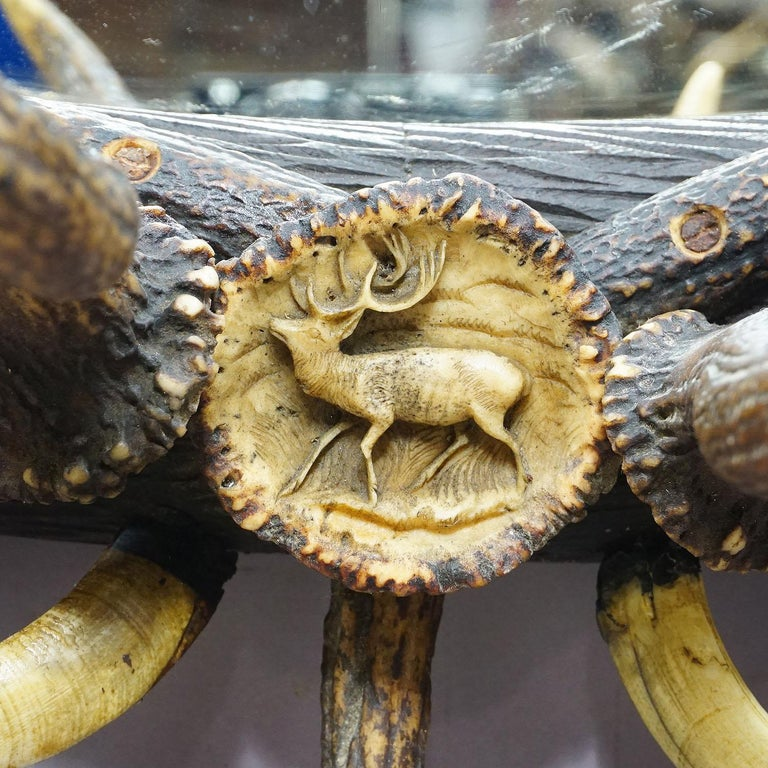 Antique Black Forest Mirror with Rustic Antler Decorations, ca. 1900 For Sale 5