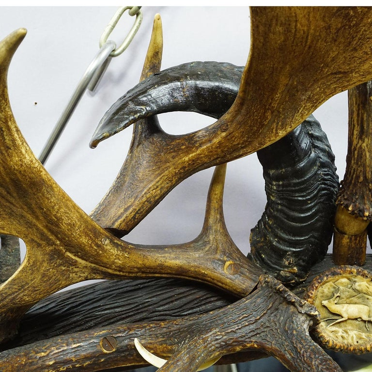 Antique Black Forest Mirror with Rustic Antler Decorations, ca. 1900 For Sale 2