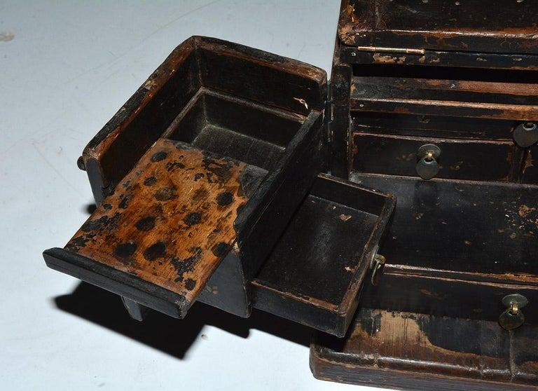 Antique Black Lacquer Chinese Jewelry Box For Sale 1