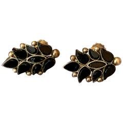 Antique Black Onyx Screw Back 14 Karat Yellow Gold Earrings