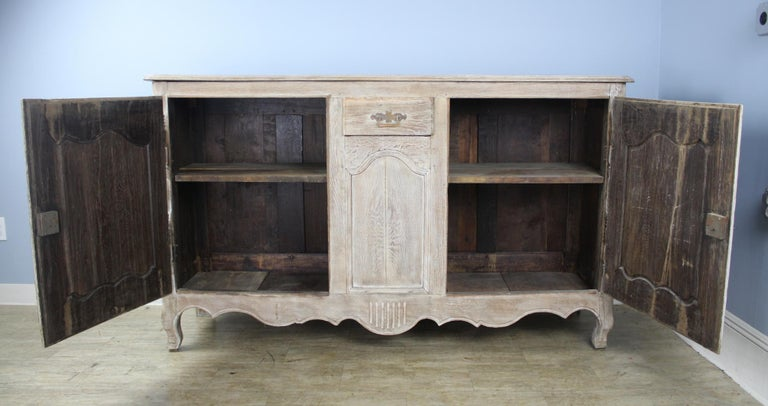 Antique Bleached Oak Buffet In Good Condition For Sale In Port Chester, NY