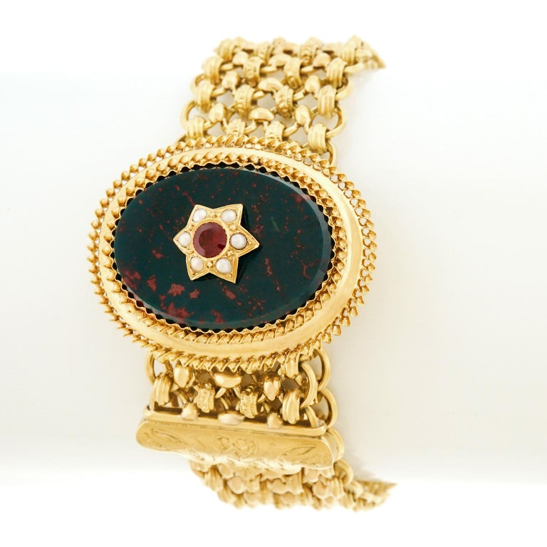 Antique Bloodstone, Garnet and Pearl Bracelet 18 Karat, circa 1880s France In Good Condition For Sale In Litchfield, CT