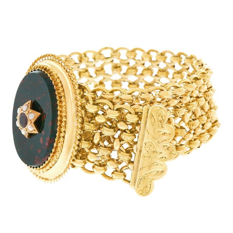 Antique Bloodstone, Garnet and Pearl Bracelet 18 Karat, circa 1880s France For Sale 3