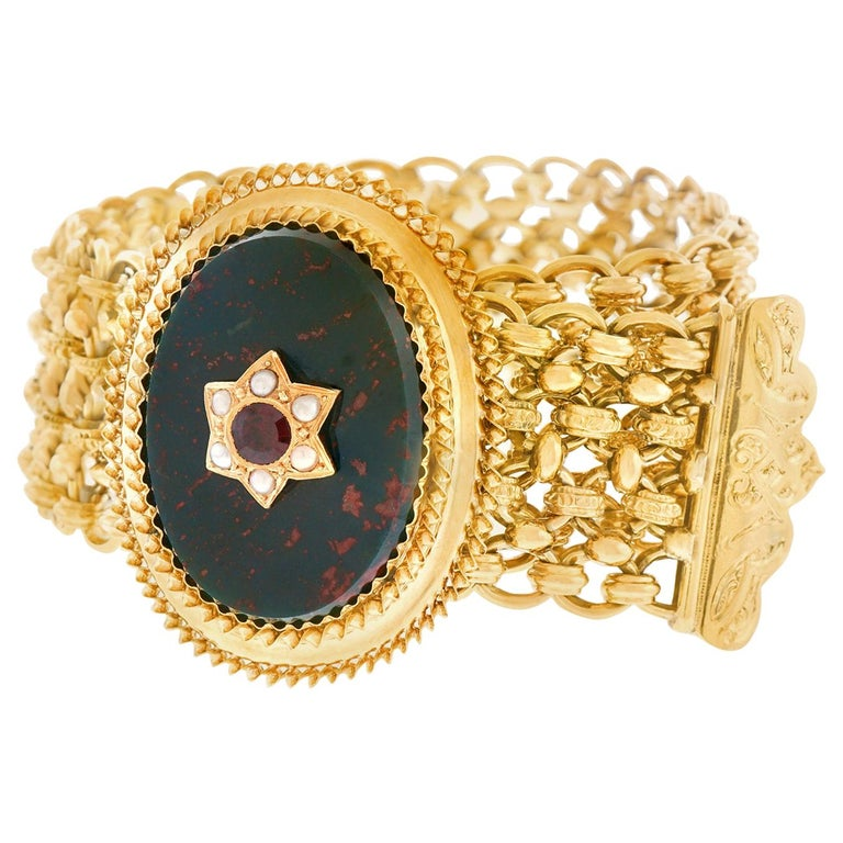 Antique Bloodstone, Garnet and Pearl Bracelet 18 Karat, circa 1880s France For Sale