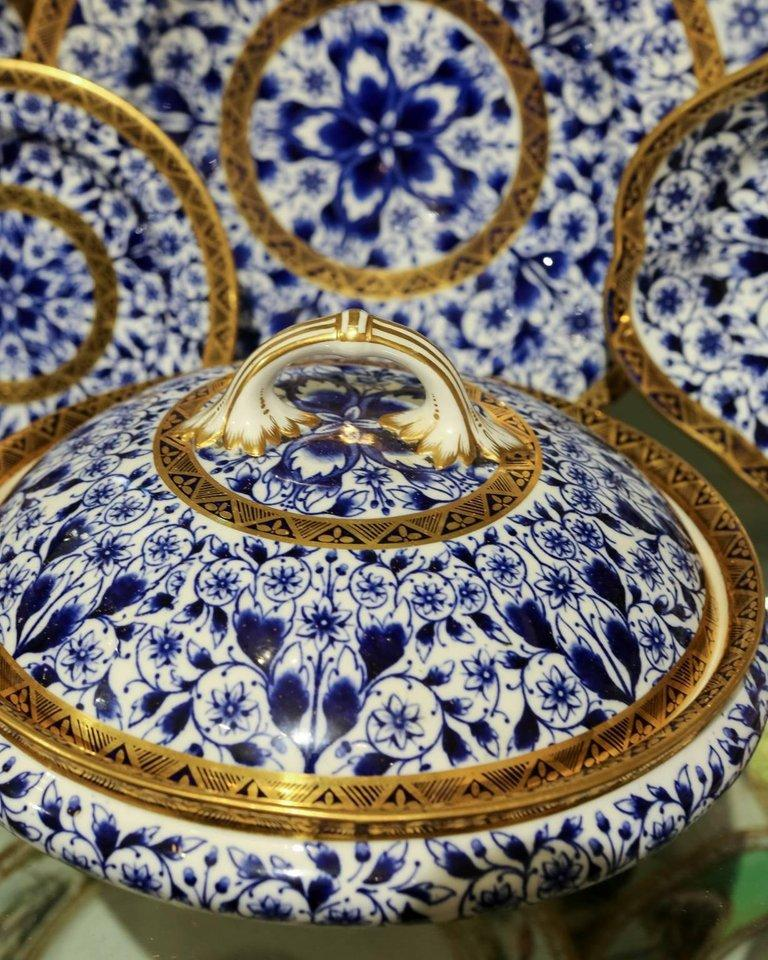 Antique Blue and White Derby Dinner Set with 10.35 Inch Dinner Plates 57 Pieces For Sale 4