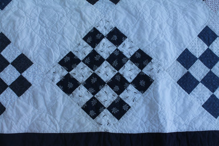 Antique Blue and White One  Patch Quilt In Fair Condition For Sale In Los Angeles, CA
