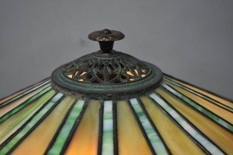 North American Antique Bradley & Hubbard Arts & Crafts Leaded Glass Table Lamp For Sale