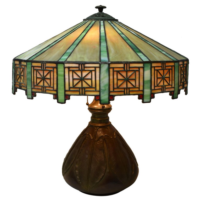 Antique Bradley & Hubbard Arts & Crafts Leaded Glass Table Lamp For Sale