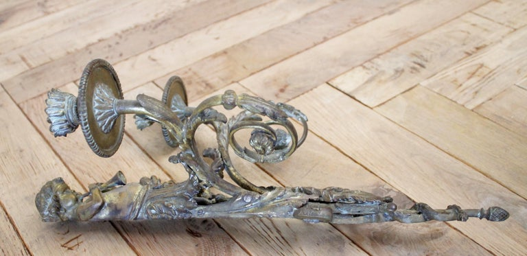 Antique Brass French Sconce with Cherub For Sale 3