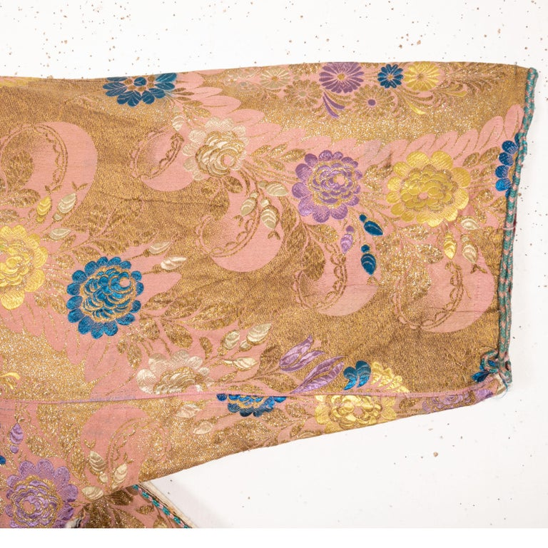 Antique Brocaded Moroccan Kaftan, Early 20th Century For Sale 4