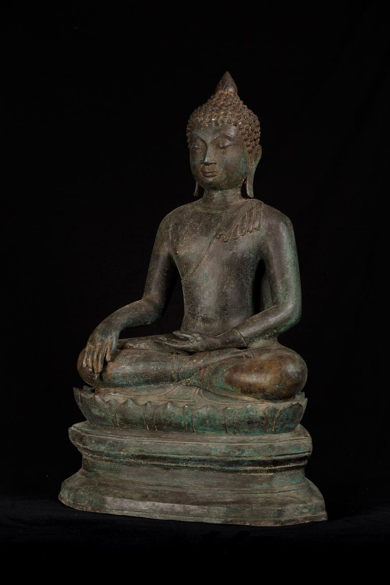 Thai Antique Bronze Buddha of Enlightenment Serene Down Cast Eyes, 18th Century For Sale