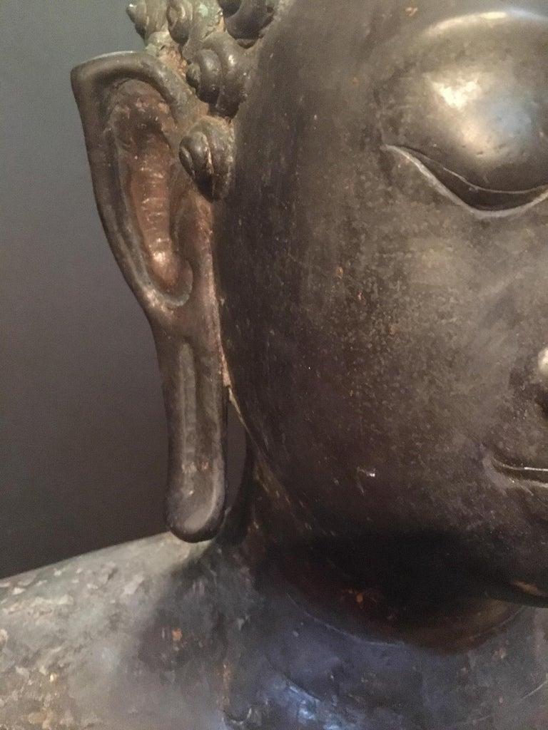 Cast Antique Bronze Bust of Buddha, Thailand Ayutthaya, circa 18th Century