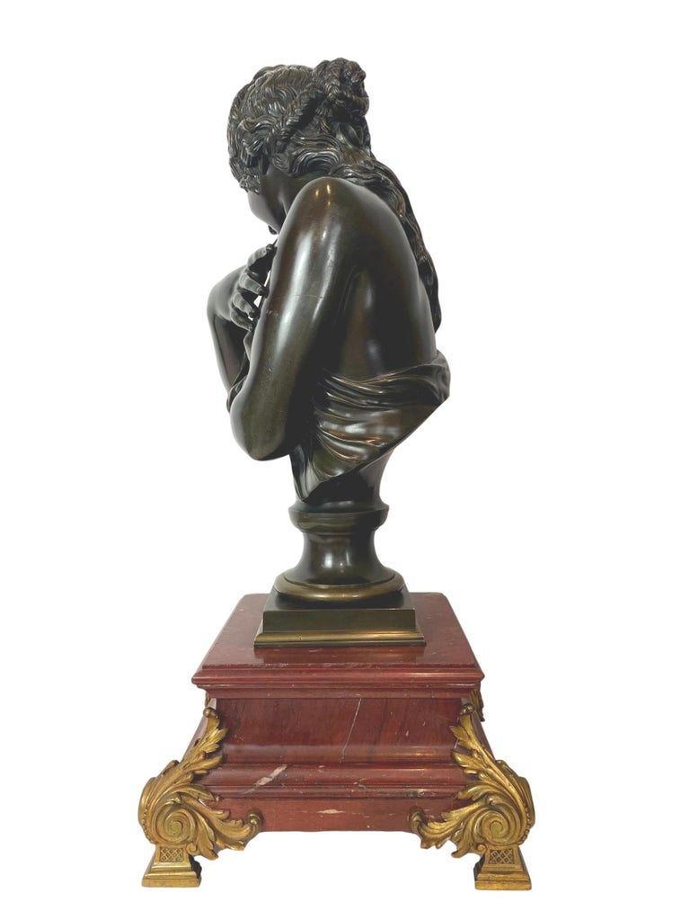 Antique patinated bronze sculpture, lovely semi-nude bather, French, circa 1880, after Jean Antoine Houdon (French 1741-1828); crisply detailed casting; particularly noteworthy is the subject's hair. The bronze sits on an ormolu-mounted Rouge
