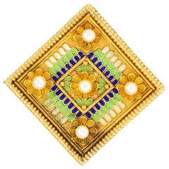 Antique Brooch in the Etruscan Style in 18 Carat Gold, English, circa 1870