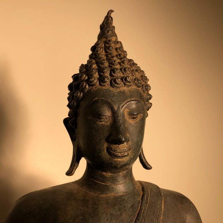 Antique Buddha Calling Earth to Witness, Hand Cast Thai Bronze 19th Century,  In Good Condition For Sale In Shelburne, VT