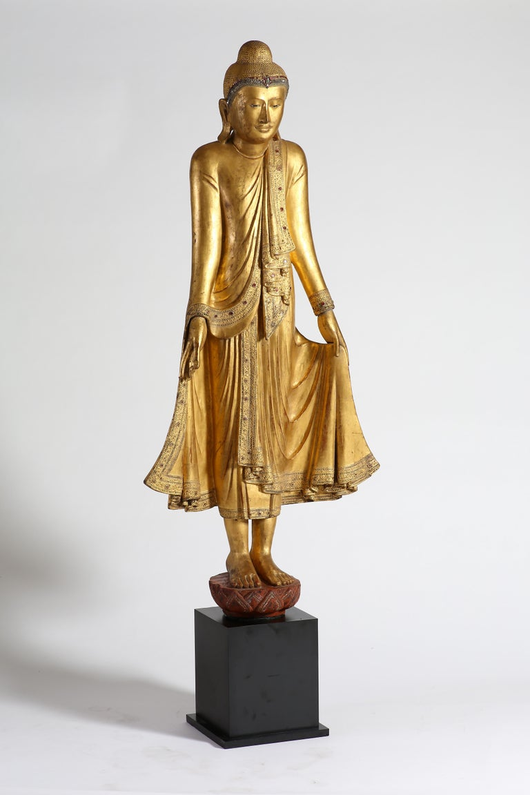 Antique Burmese Gilt Standing Buddha, Mandalay, 19th Century In Good Condition For Sale In 10 Chater Road, HK