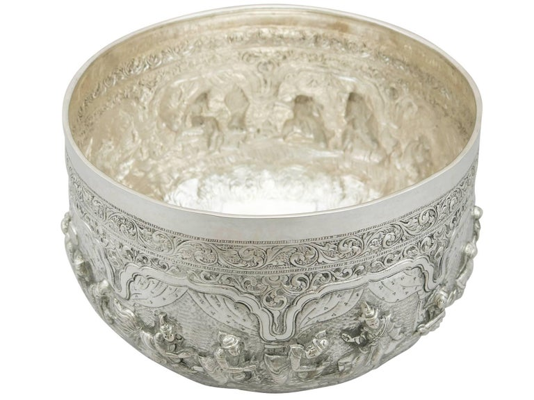 Antique Burmese Silver Thabeik Bowl In Excellent Condition For Sale In Jesmond, Newcastle Upon Tyne