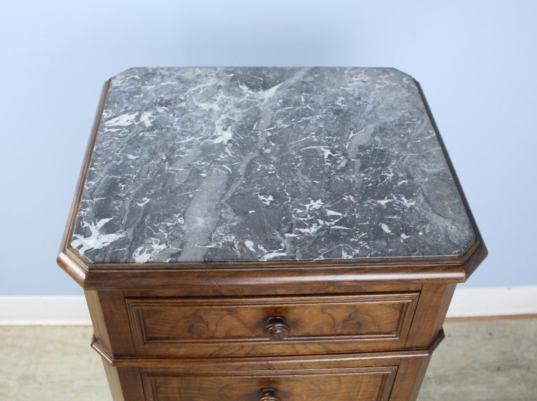 Antique Burr Walnut Nightstand with Gray Marble Top In Good Condition For Sale In Port Chester, NY