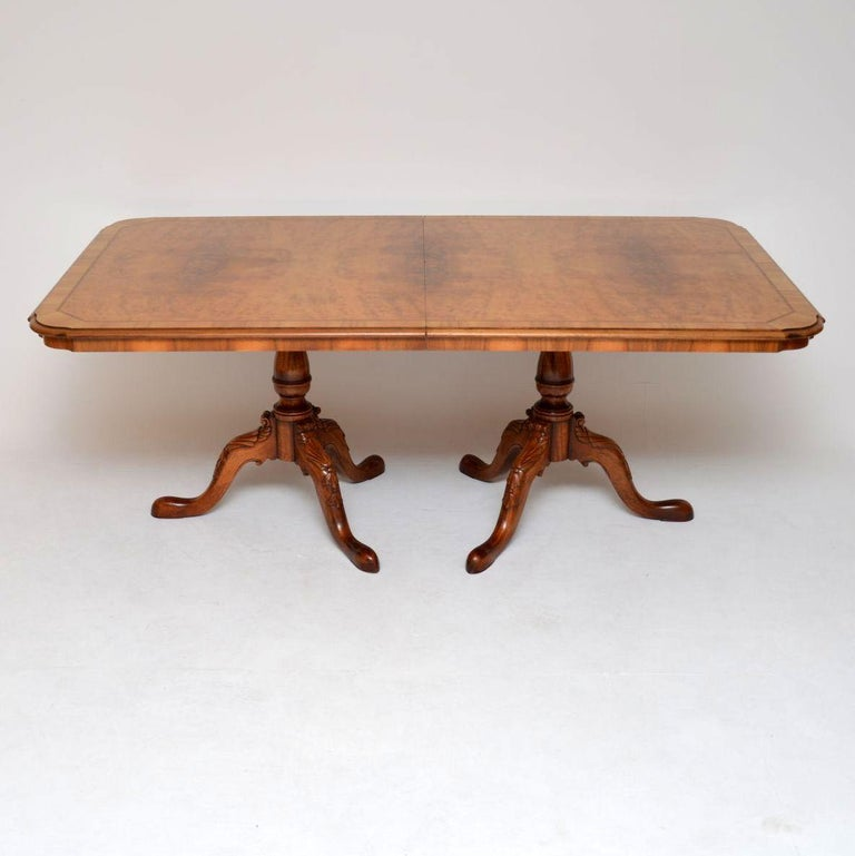 Queen Anne Dining Room Table: Antique Burr Walnut Queen Anne Dining Table And Eight