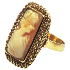 Antique Cameo 18 Karat Yellow Gold Ring Handcrafted in Italy