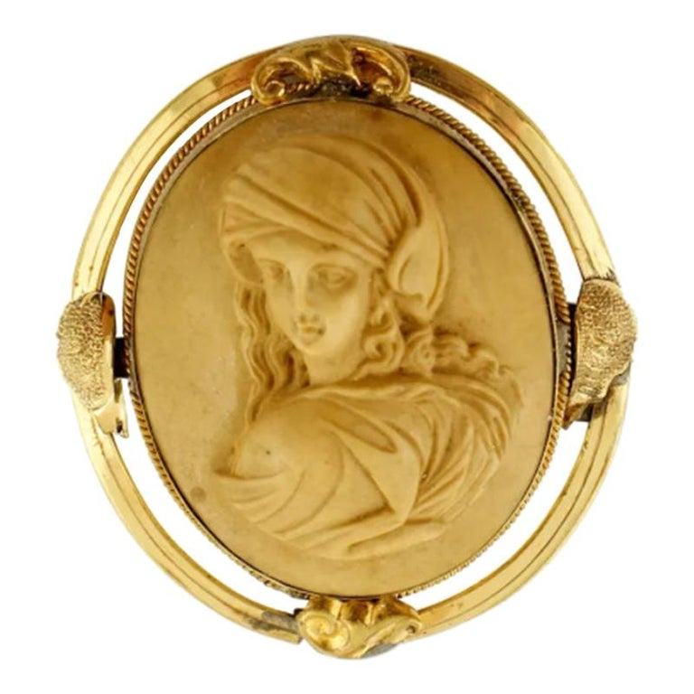 Antique Cameo Brooch, Yellow Gold For Sale