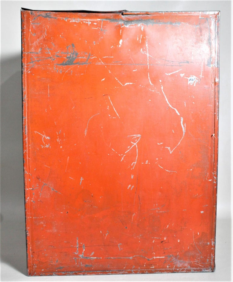 Antique Canadian General Store R.B. Hay Hoe & Co. Tea Advertising Display Tin In Fair Condition For Sale In Hamilton, Ontario
