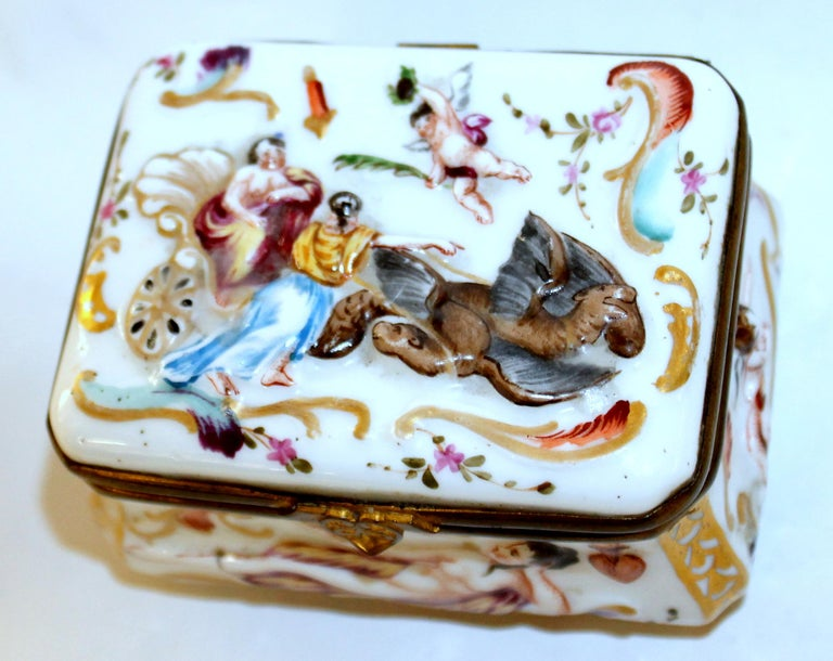 Italian Antique Capodimonte-Type Hand Painted Bas Relief Hinged Box For Sale