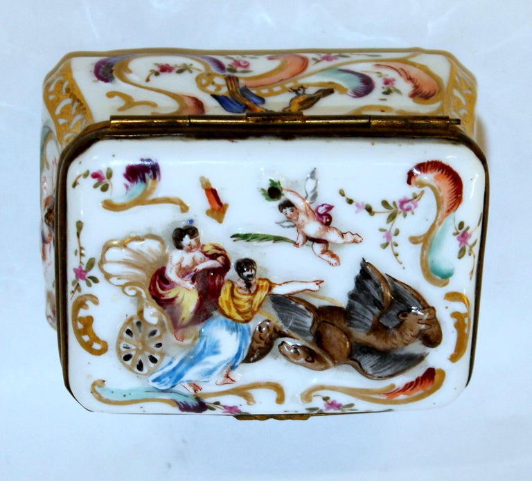 19th Century Antique Capodimonte-Type Hand Painted Bas Relief Hinged Box For Sale