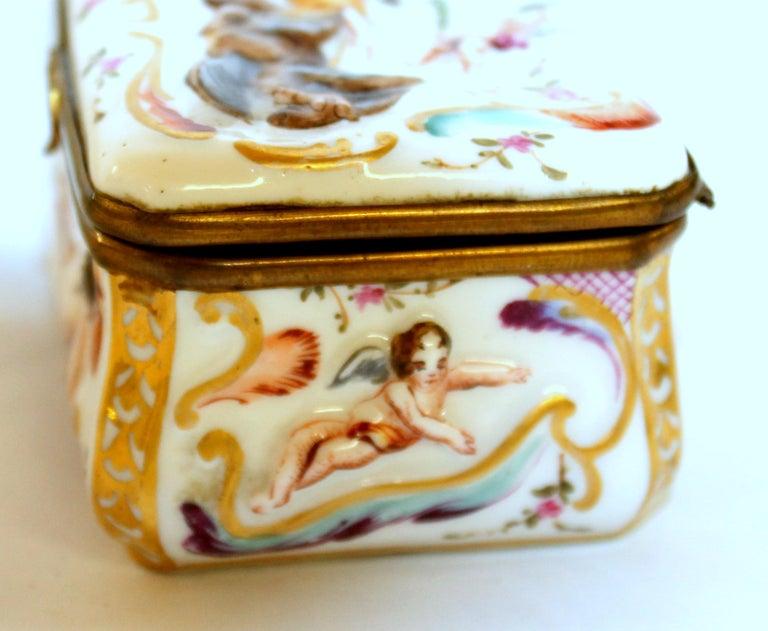 Porcelain Antique Capodimonte-Type Hand Painted Bas Relief Hinged Box For Sale