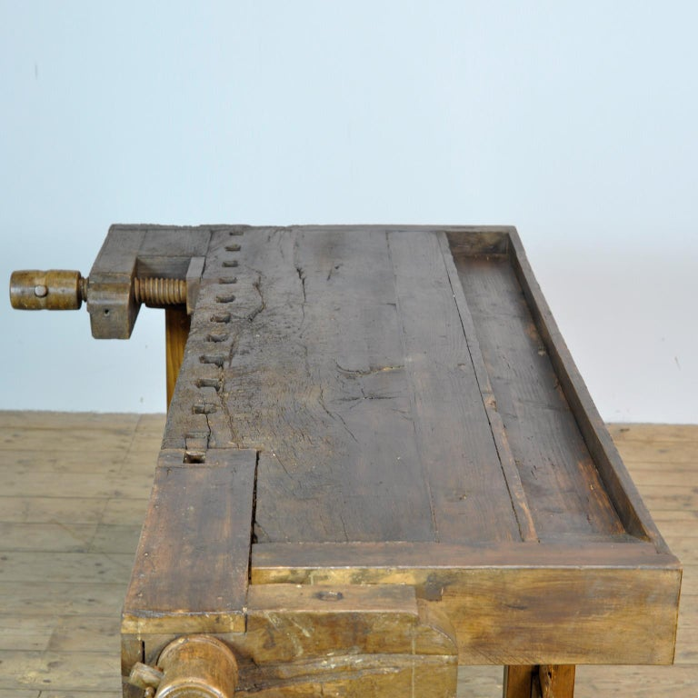 Antique Carpenters Oak Workbench, Circa 1910 In Good Condition For Sale In Amsterdam, Noord Holland
