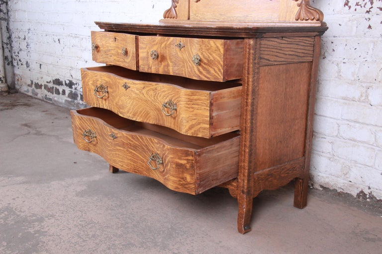 Antique Carved Tiger Oak Dresser with Mirror, circa 1900 For Sale 6