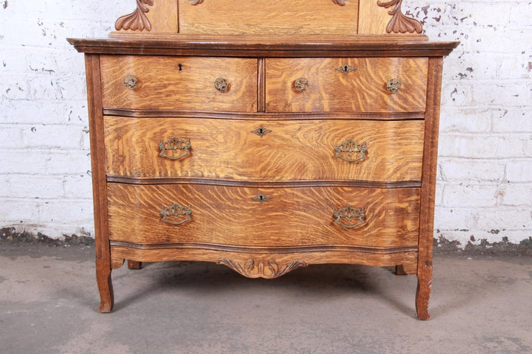 Arts and Crafts Antique Carved Tiger Oak Dresser with Mirror, circa 1900 For Sale