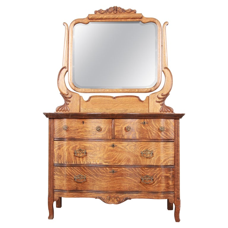 Antique Carved Tiger Oak Dresser with Mirror, circa 1900 For Sale