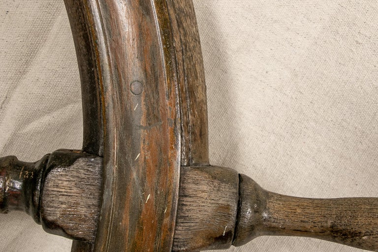 Antique Carved Wood Ship's Wheel In Good Condition For Sale In Bridgeport, CT