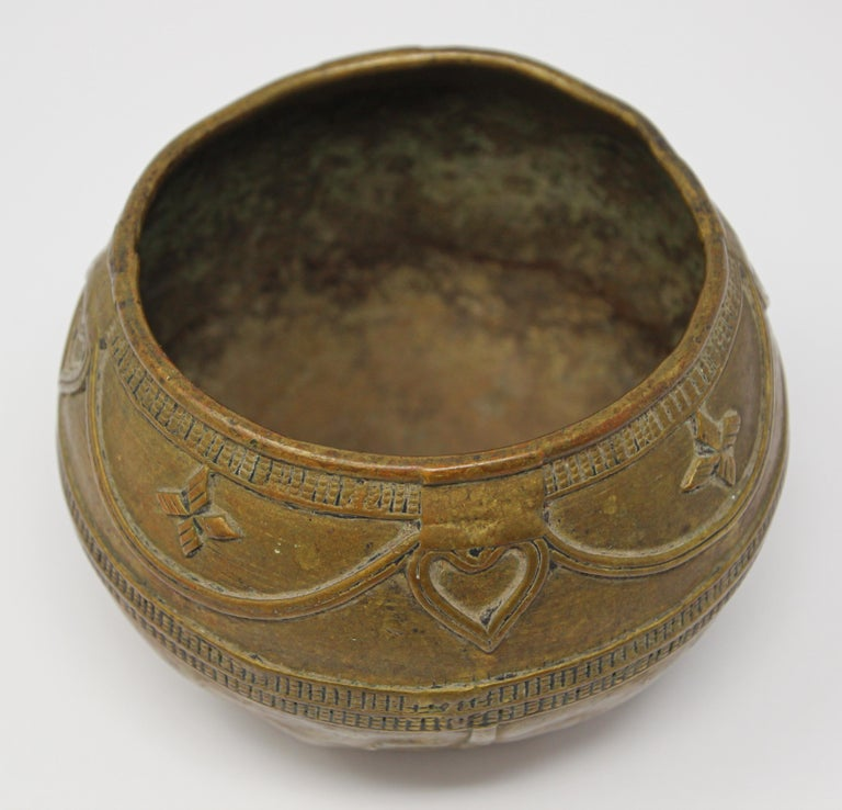 Metal Antique Cast brass Measuring Bowl from Northern India For Sale