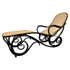 Antique Chaise Longue by Michael Thonet for Thonet Model 9702, 1920s