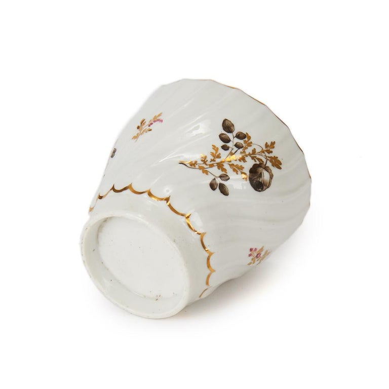 Antique Chamberlain Worcester White Floral Porcelain Tea Service, 18th Century For Sale 4