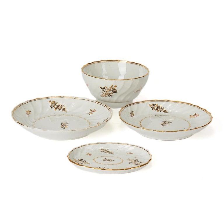 Antique Chamberlain Worcester White Floral Porcelain Tea Service, 18th Century For Sale 13