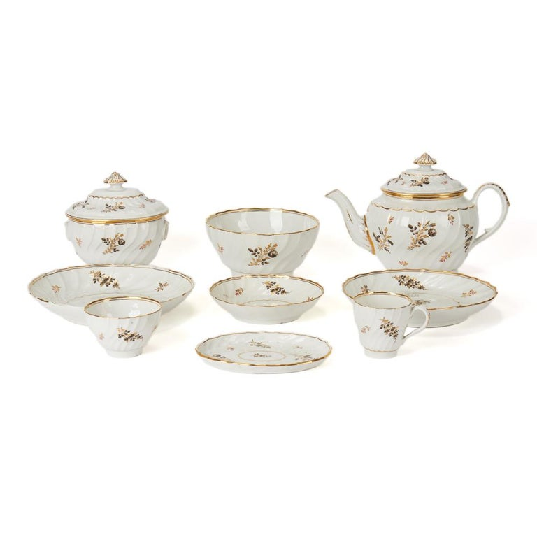 Antique Chamberlain Worcester White Floral Porcelain Tea Service, 18th Century For Sale 1