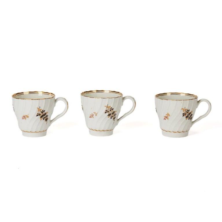 Antique Chamberlain Worcester White Floral Porcelain Tea Service, 18th Century For Sale 2