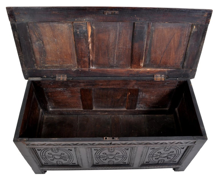 Antique Charles II Carved Oak Coffer / Chest / Trunk, circa 1670 For Sale 1