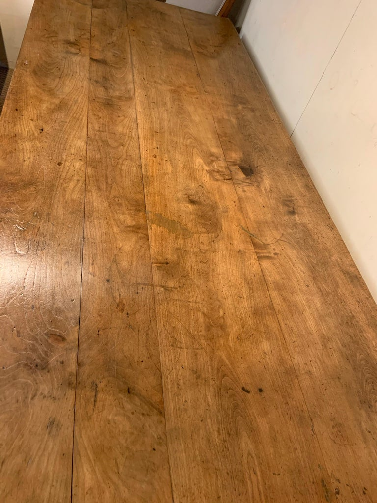 Antique Cherry Tapered Leg Farmhouse Table In Good Condition In Billingshurst, GB